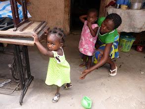 Photo: Ariké,orpheline, sera adoptée