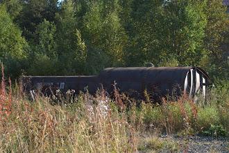 Photo: öljysäiliö hylättynä