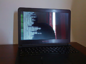 Photo: She boots! ArchLinux over Raspberry Pi, with my custom kernel!