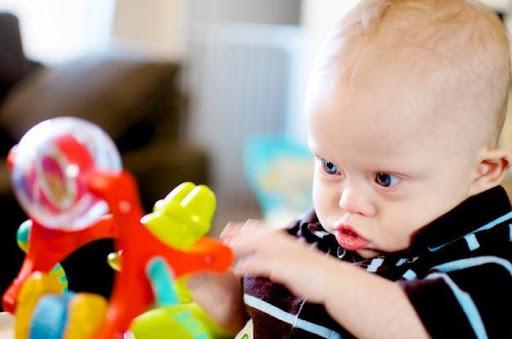 Những dấu hiệu bất thường ở trẻ sơ sinh cha mẹ cần cẩn trọng