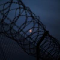 Luna prigioniera di