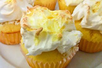Photo: Lemon Meringue Cupcakes: http://bit.ly/U14JkX
