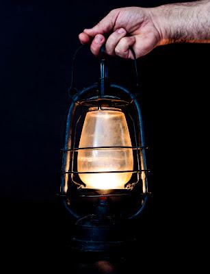 Piccola luce nel buio di Tacca
