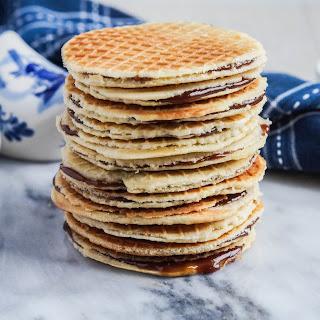 Stroopwafels (Dutch Caramel Waffles Cookies).