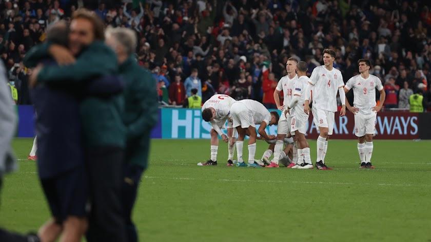 La alegría de los italianos contrasta con la decepción de la Selección.