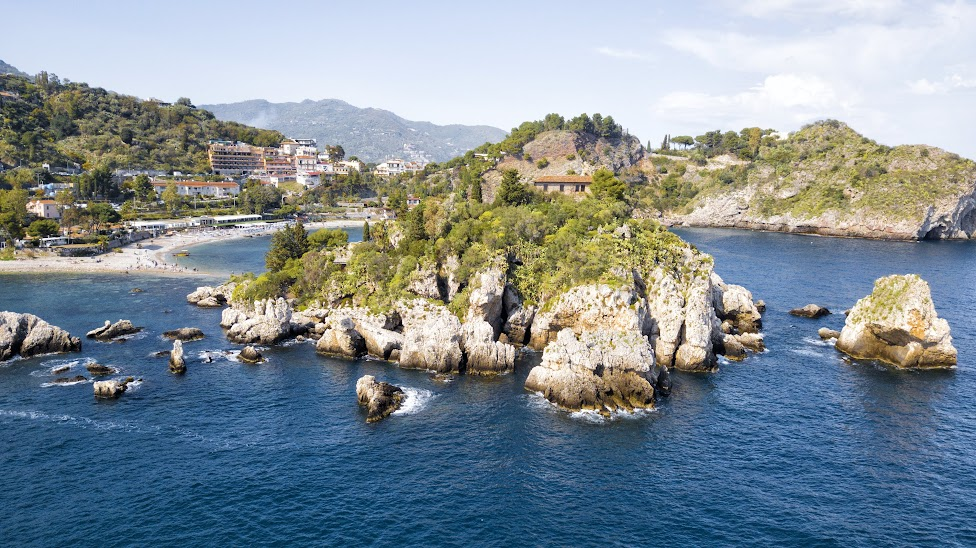 Taormina, Isola Bella, widok z drona