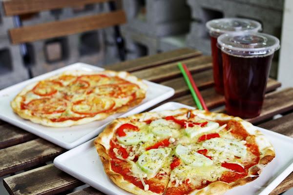 Copoka PIZZA 家庭式手工窯烤披薩,平價,道地義式披薩,葷.素披薩,外帶,酥脆餅皮口感!