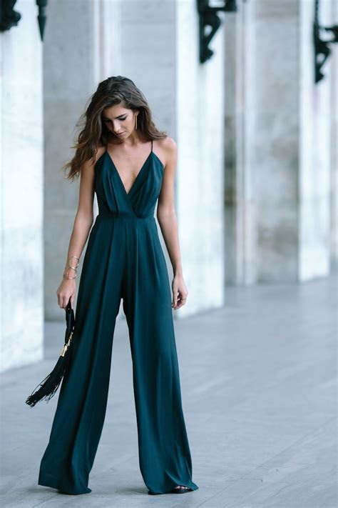 style tips  attending  cold weather wedding outfit