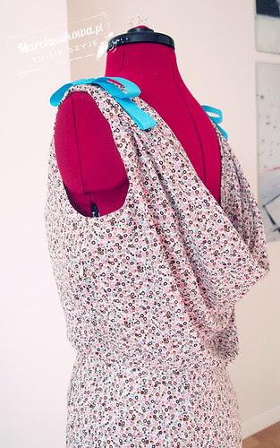 marchewkowa, blog, szafiarka, krawiectwo, szycie, DIY, bawełna w kółka, PIEGATEX, batyst, retro, vintage, 60s, sukienka, Burda 5/2012, model, dress 133