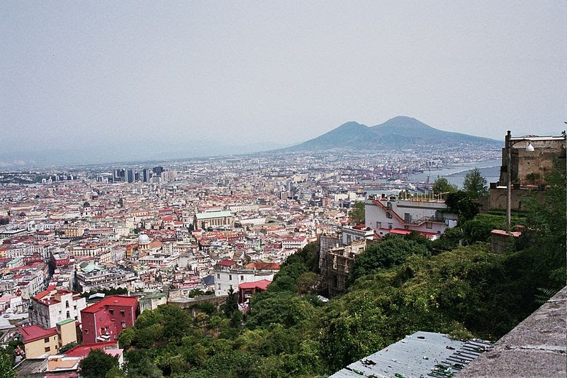 File:Napoli and Vesuvius.jpg