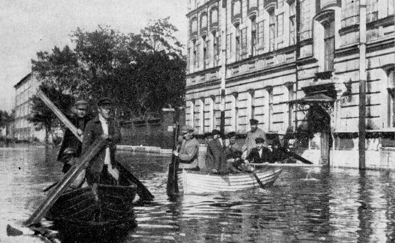 File:Floods in Saint Petersburg 1924 001.jpg