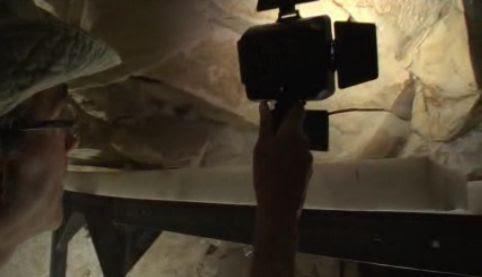 Arqueólogos españoles descubren el sarcófago intacto de un niño del Antiguo Egipto