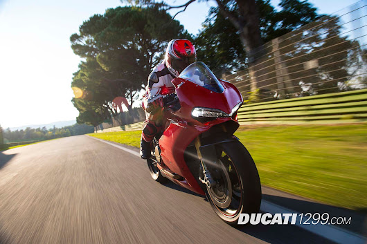 Ducati 1299 Panigale Race Track Action Pictures - Ducati 1299 Forum