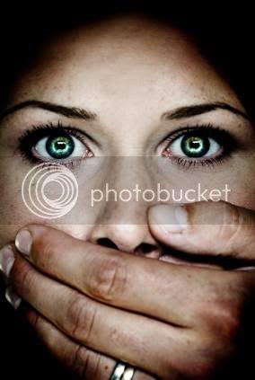 http://i676.photobucket.com/albums/vv126/kennyrk2/hand_over_mouth.jpg?t=1243514465