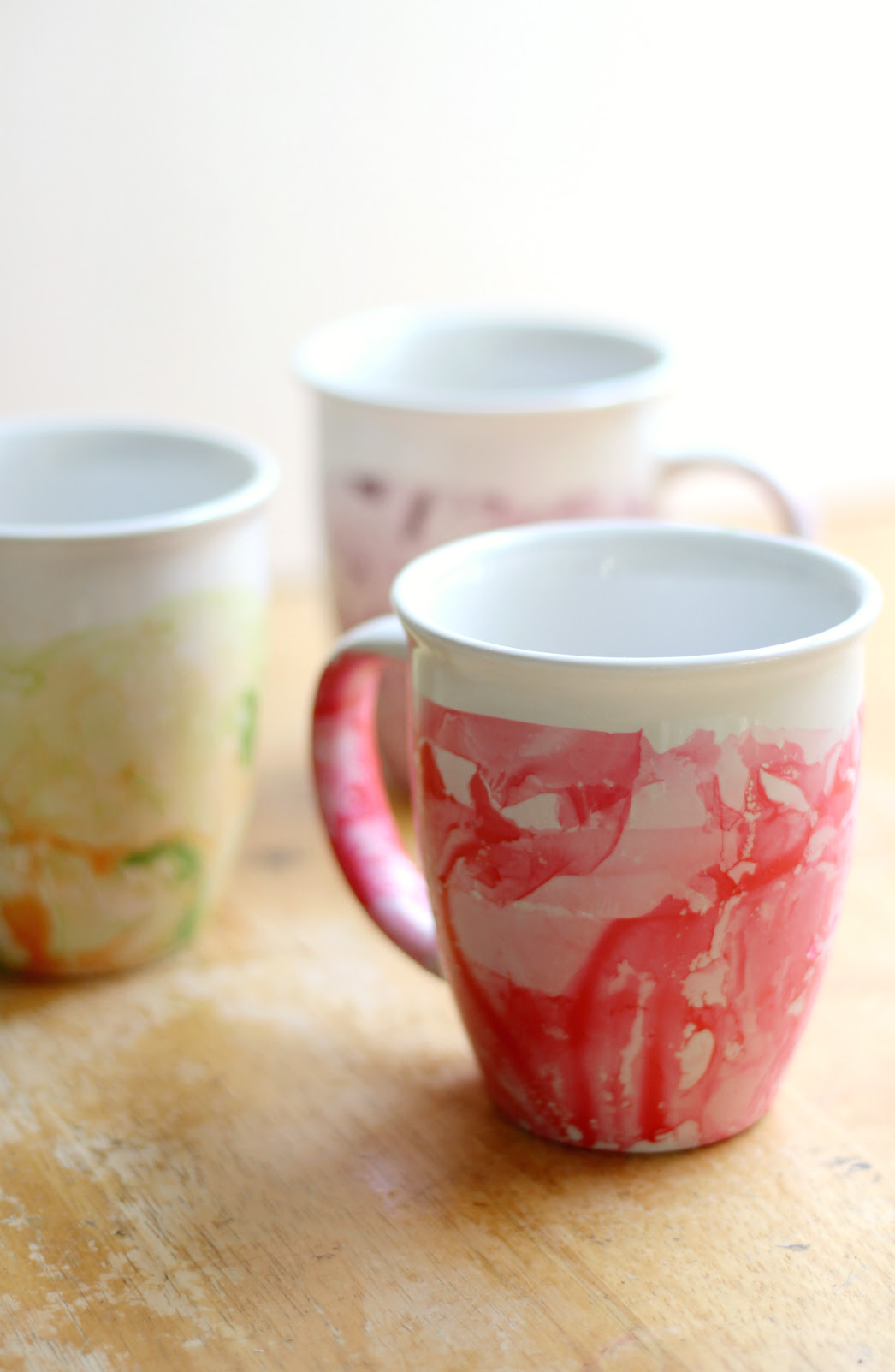 DIY Marbled Nail Polish Mugs | Strength and Sunshine @RebeccaGF666 Easy DIY marbled nail polish mugs make the perfect homemade gift! A simple craft done in a few minutes that looks like it took hours of work!
