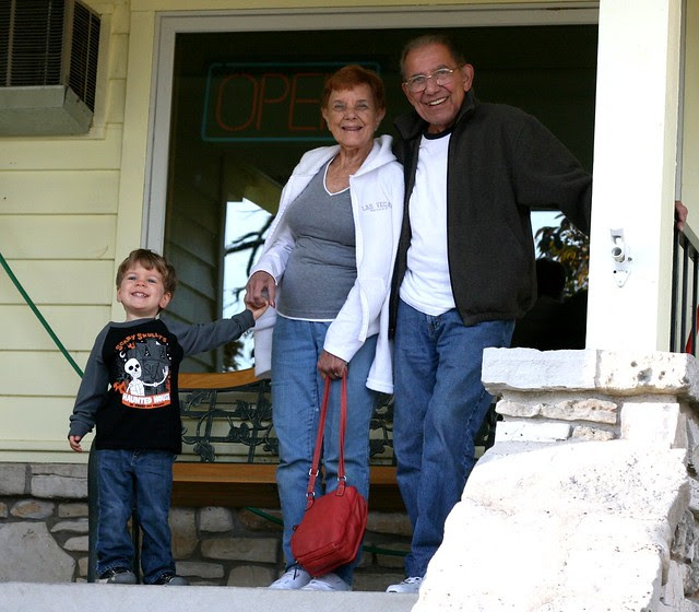 Oliver, Dotti and Grampa