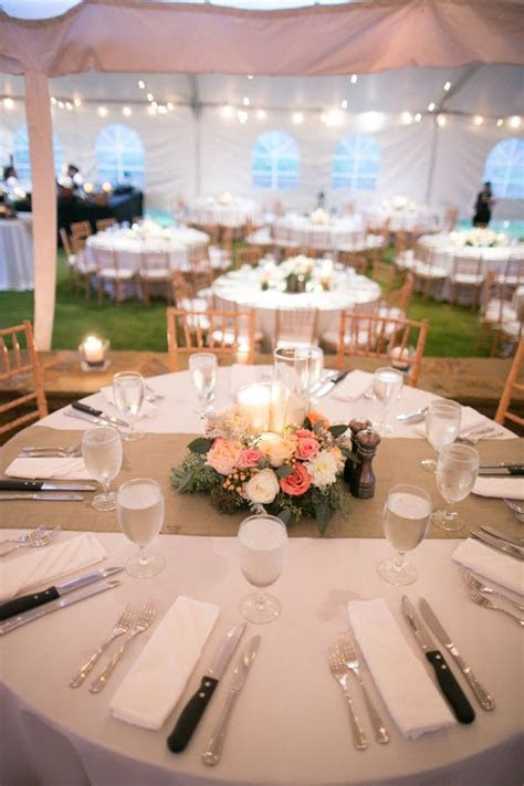 1000  ideas about Round Table Centerpieces on Pinterest