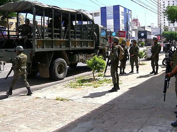GNews - Forças Armadas em Natal (Foto: Reprodução/GloboNews)