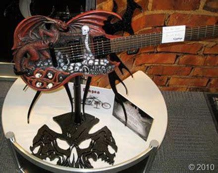 World?s Weirdest Guitar Designs ? Amazing, Extreme, Odd