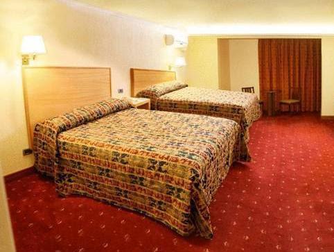 Hotel Gavina Express Reviews
