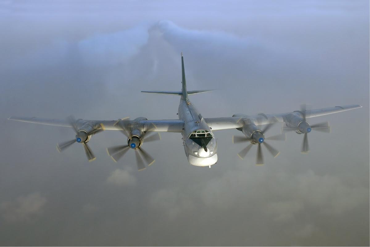 http://upload.wikimedia.org/wikipedia/commons/9/91/Tupolev_Tu-95_in_flight.jpg
