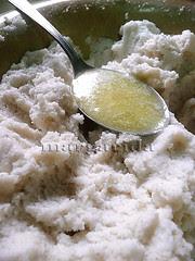 añadir la mantequilla liquida