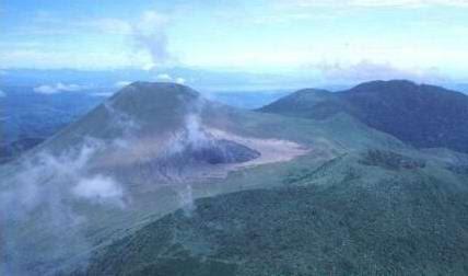 Volcano_Lokon_udara2-North