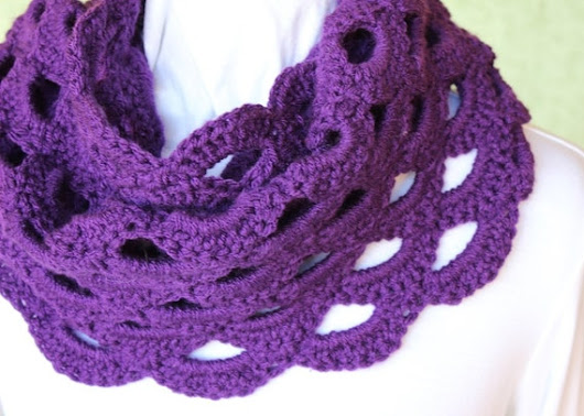Crochet Pattern for Cowl Crocheted Cowl Pattern Scalloped