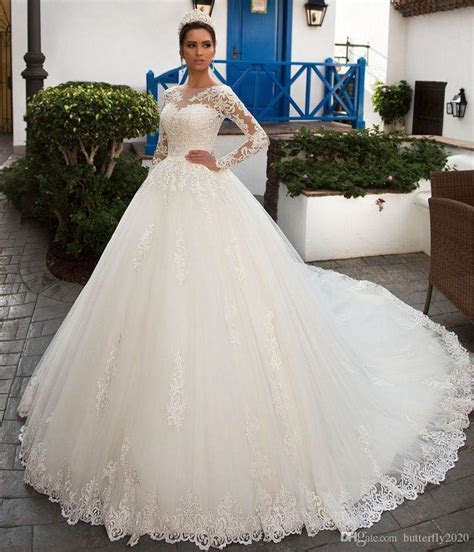 Elegant Long Sleeve Lace Wedding Dresses Appliques Long
