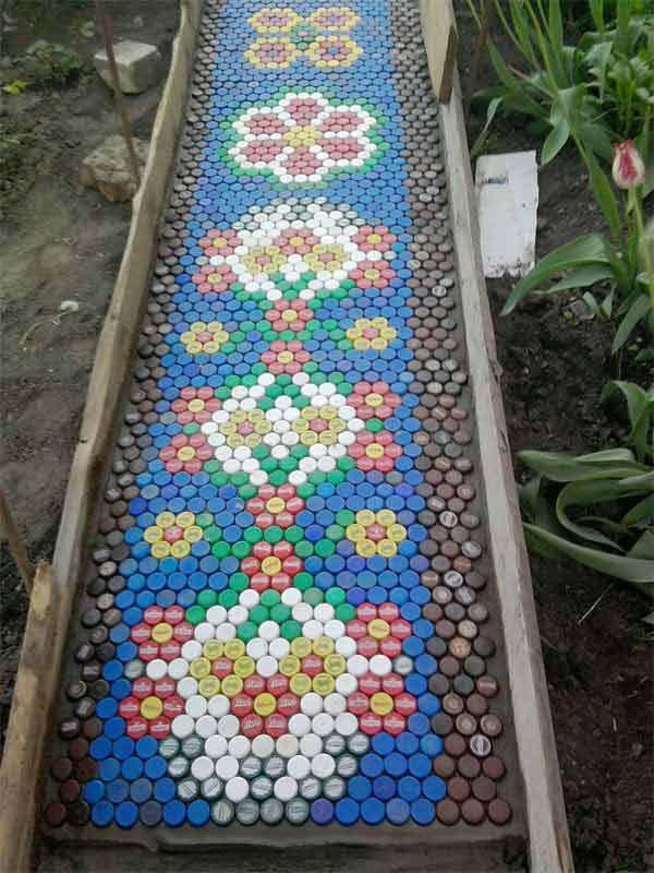 25-Lovely-DIY-Garden-Pathway-Ideas-22