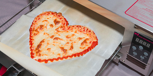 This robot can 3D-print and bake a pizza in six minutes
