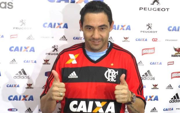 Chicão apresentação Flamengo (Foto: Thales soares)