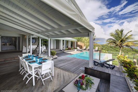 Rates & Availability | Villa Caracoli Guadeloupe Sainte-Anne | Luxury villa rental Caribbean