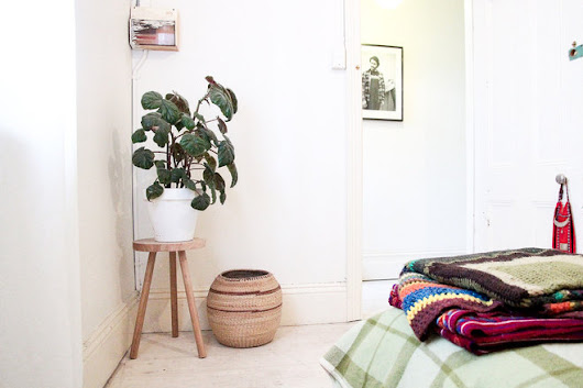 Styling: Simple Ways to Bring an Unused Corner Space to Life