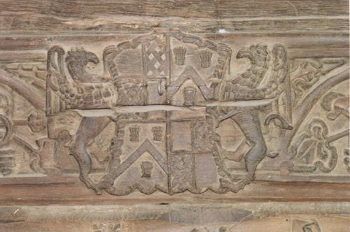 dutton-carving.jpg