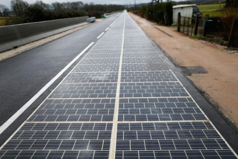 Resultado de imagem para Primeira no mundo. França inaugura estrada solar