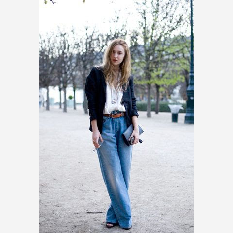 6 Le Fashion Blog 7 Cool Ways To Wear Baggy Jeans Valentine Fillol Cordier Blazer Street Style Via Garance Dore photo 6-Le-Fashion-Blog-7-Cool-Ways-To-Wear-Baggy-Jeans-Valentine-Fillol-Cordier-Blazer-Street-Style-Via-Garance-Dore.jpg