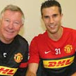 Manchester United confirm Robin van Persie signing in time for Everton