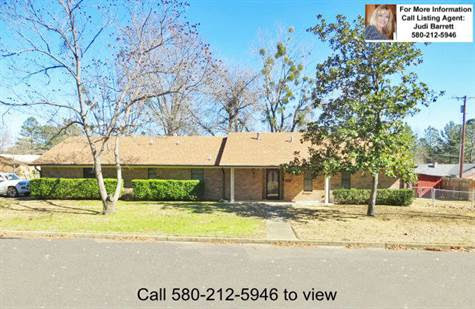 702 SE Avenue M, Idabel, Oklahoma, For Sale by Integrity Real Estate Services