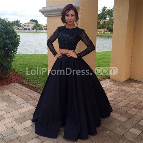 black   long sleeves zipper beading prom