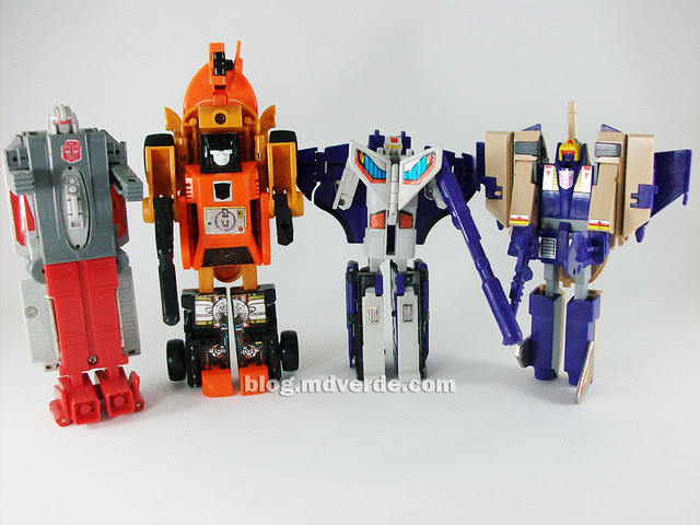 Transformers Sandstorm G1 vs otros Triple Changers