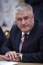 Министр внутренних дел Владимир Колокольцев перед началомсовещания спостоянными членами Совета Безопасности.