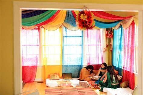 mehendi party at home, mehendi decor, how to plan a
