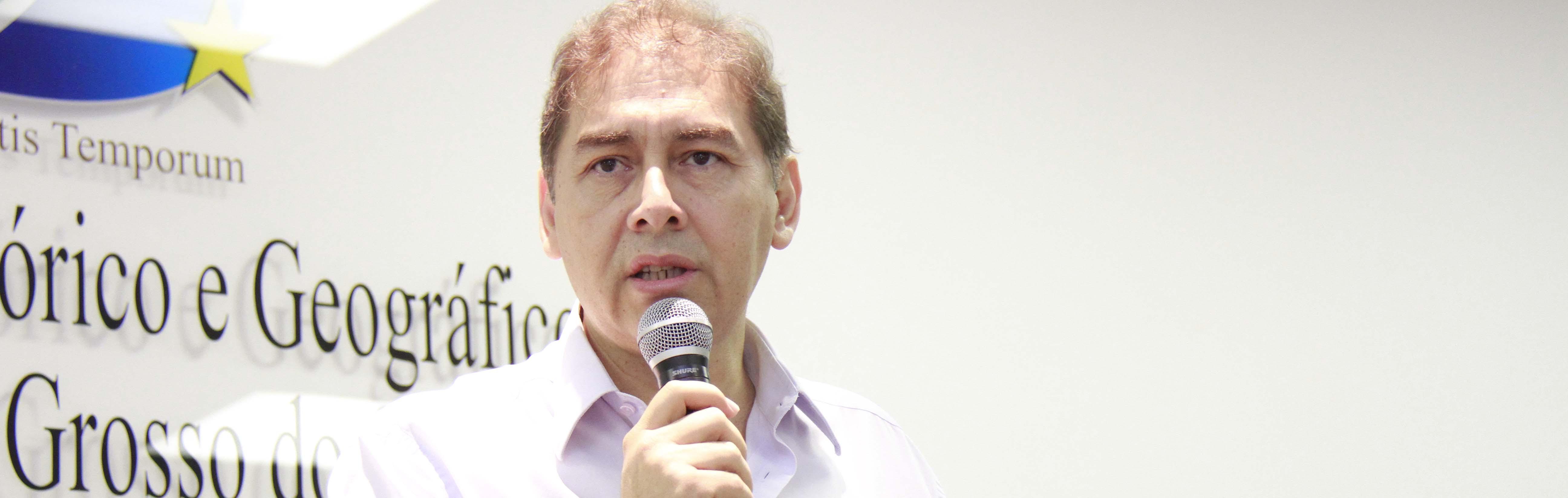 Bernal sonha atrair partidos que fogem dele, como o PPS e o PDT