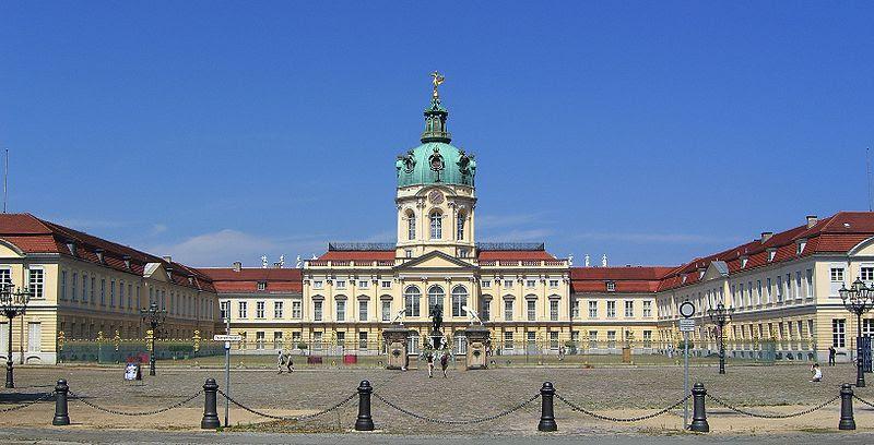 Archivo:Schloss Charlottenburg Berlin 2007.jpg