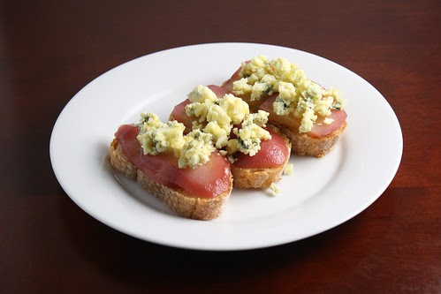 Crostini with Poached Pears, Gorgonzola, and Honey