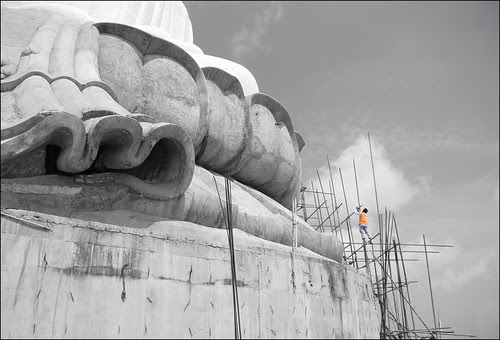 Building the Big Buddha, Phuket, May 2009