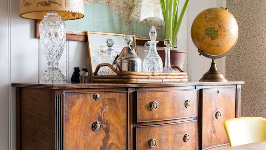 How to restore old wooden furniture: clean, repair and refinish