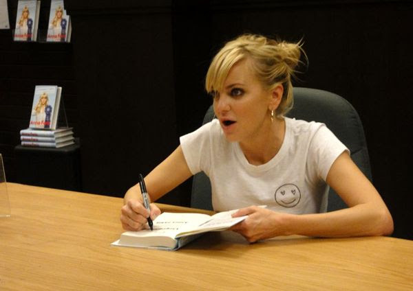 Anna Faris signs a copy of her new book UNQUALIFIED at The Grove's Barnes & Noble in Los Angeles...on November 6, 2017.
