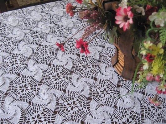 lace tablecloth  vintage lace  by ScarfsSale on Etsy